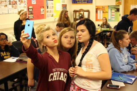Tiffany Houghton captures a #Selfie with Journalism 1 students Georgiana Foote and McKenzie Hummel.