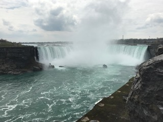 The+Horseshoe+Falls+are+on+the+Canadian+side+of+Niagara.+The+iconic+shape+was+naturally+formed+through+erosion.+Starting+in+1678%2C+the+pressure+from+the+water+pushed+back+the+border+of+the+falls+and+over+many+centuries%2C+this+process+continued+until+2011%2C+when+the+falls+was+left+with+the+shape+it+has+today.+