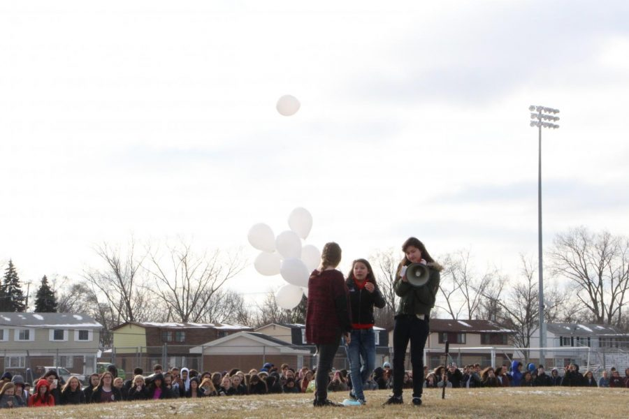 Balloons were released while the names of the lost students and faculty were announced. Photo credit: FHS Yearbook Staff